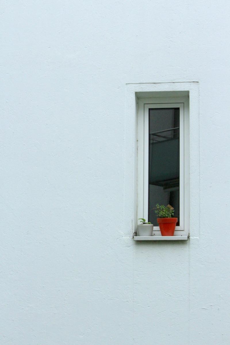 contrast window