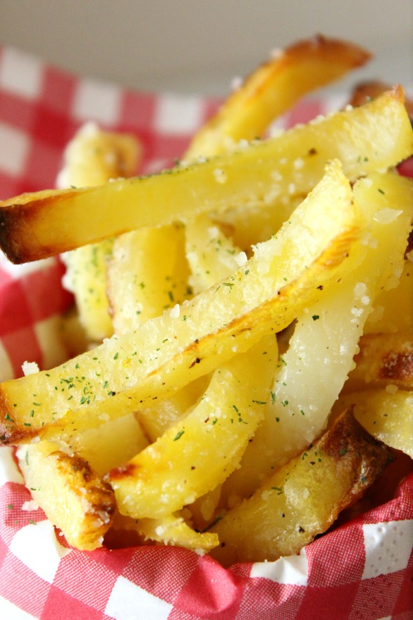 parmesan oven fries with garlic & truffle ailoi2