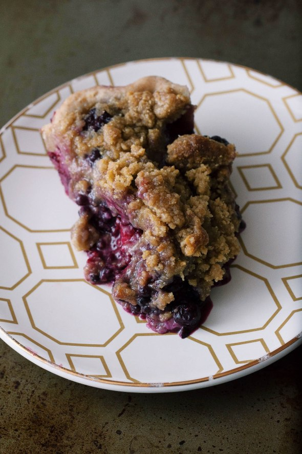 Blackberry & Blueberry Cornmeal Crumble Pie
