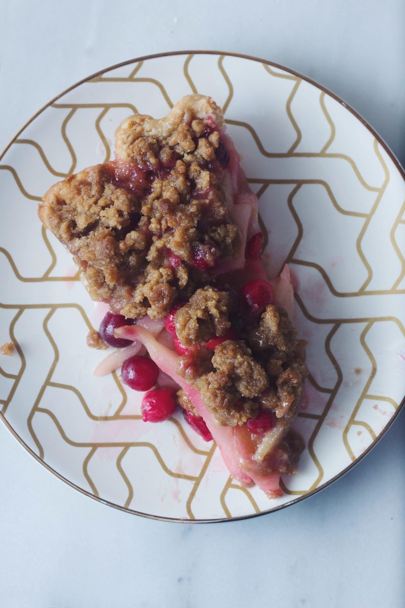 Cranberry Pear Crumble Pie
