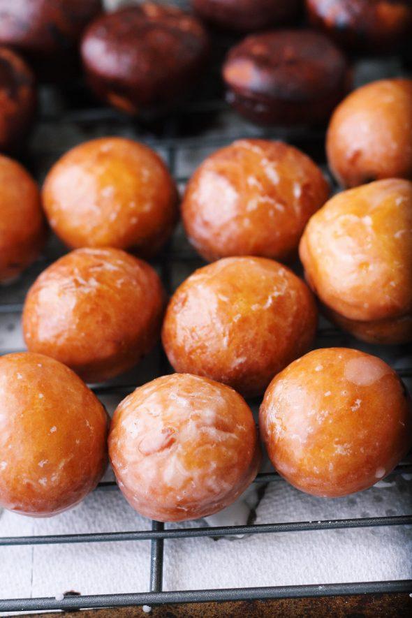 vanilla glazed doughnut holes