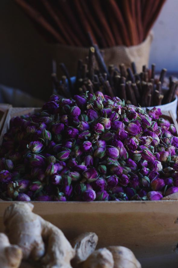 dried tea flowers